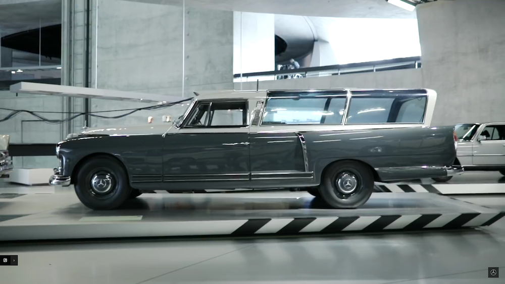 TOP 5 MERCEDES: LA 300 MEASURING CAR EN IMAGES