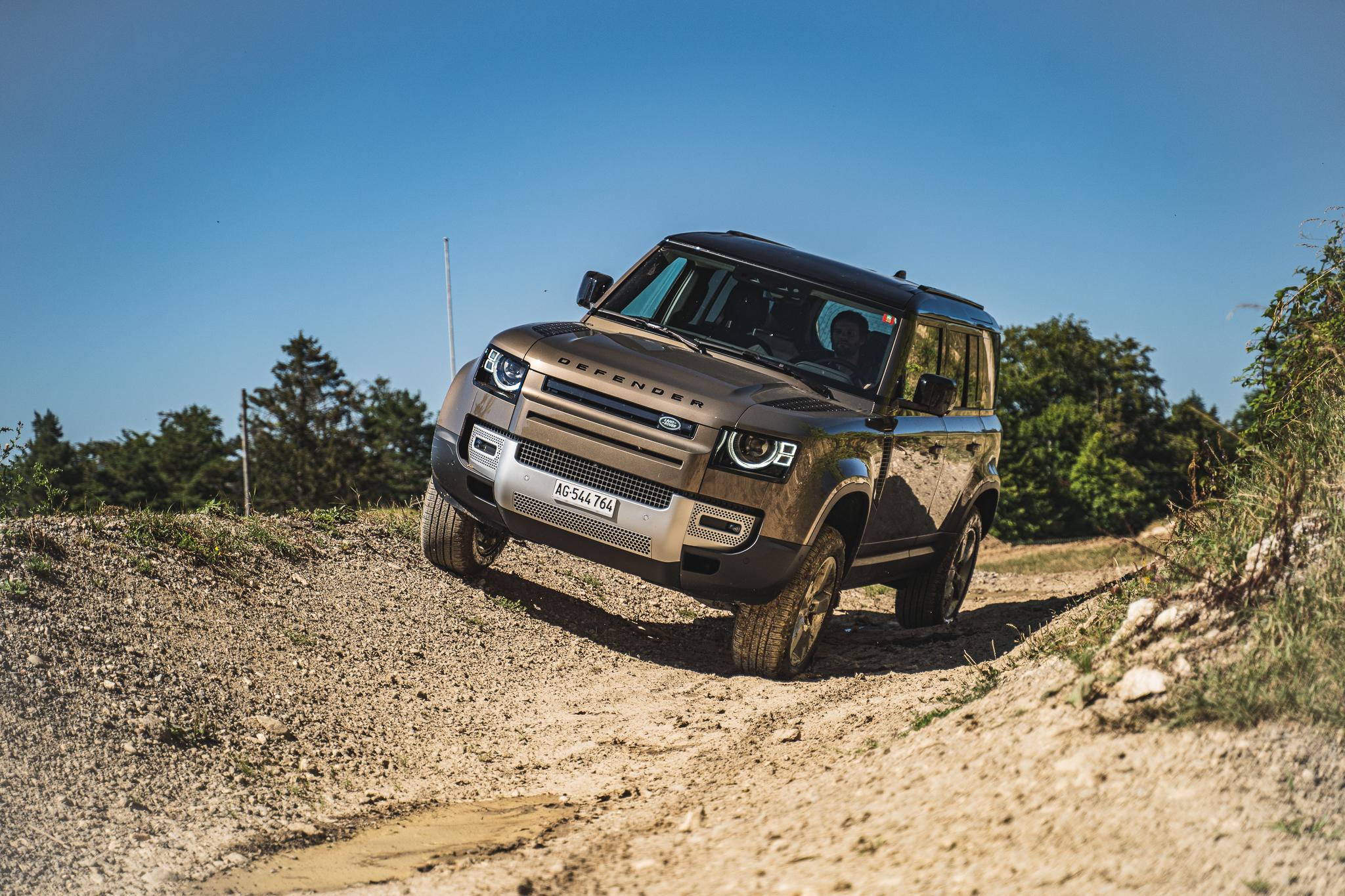 Le nouveau Land Rover Defender en vidéo